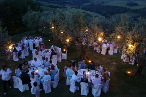 10_Dinner_and_Chianti_hills_by_night_1491480602