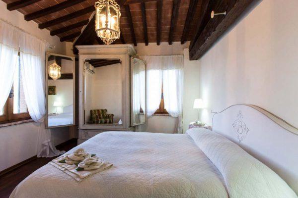 borgo-bucciano-wedding-villa-tuscany-suite